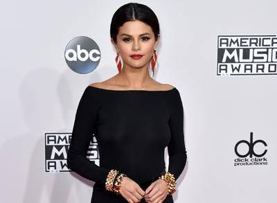 News video: Black Is the New Black on AMAs Red Carpet